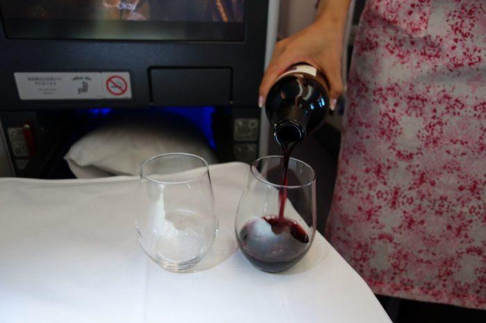 ANAメキシコシティ行きビジネスクラス赤ワイン