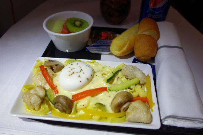 ANAメキシコシティ行きビジネスクラス2回目の機内食