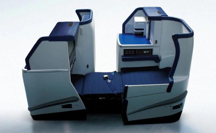 ANAボーイング787-8ビジネスクラス座席フルフラット